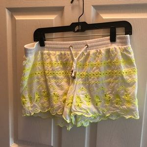 Lilly Pulitzer pineapple shorts medium